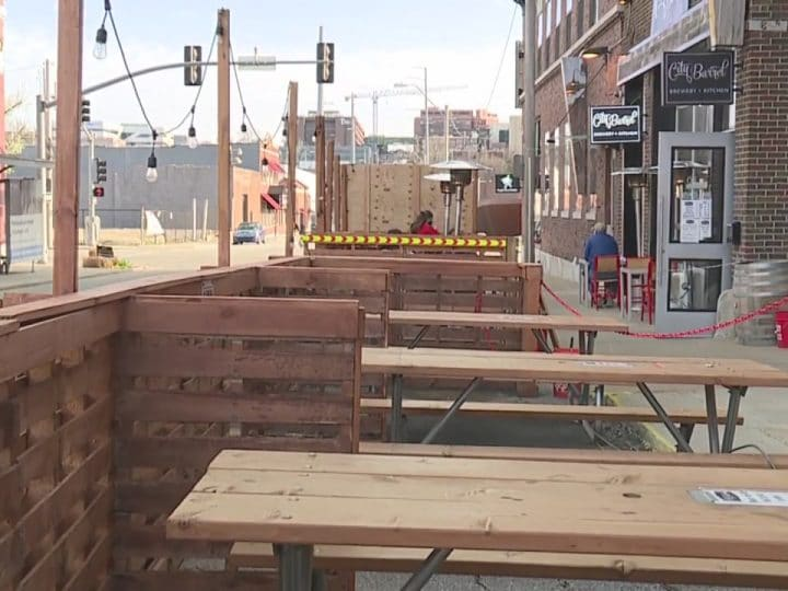 Kansas City could make outdoor dining in parking spaces a permanent option   FOX 4 Kansas City WDAF-TV