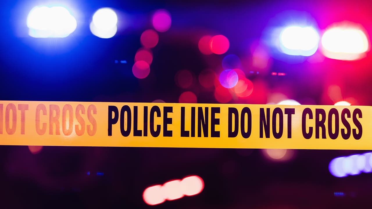 1 dead, 4 hurt after gunfire erupts in Kansas City, police say – KIRO 7 News Seattle