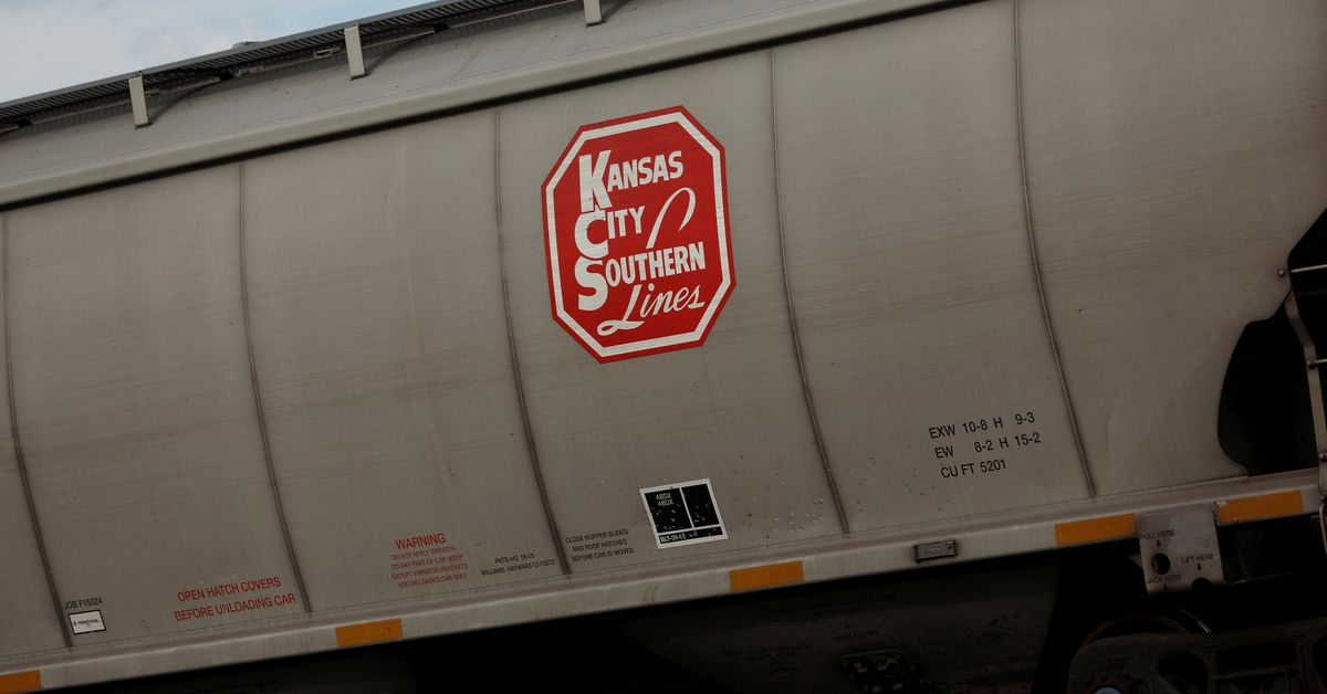 Canadian National launches battle for Kansas City rail with $30 bln-plus bid