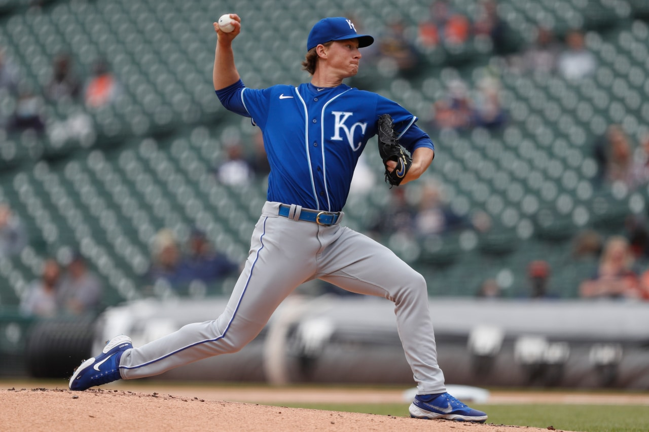 Singer sharp, and unearned run lifts Royals over Tigers 2-1 | FOX 4 Kansas City WDAF-TV