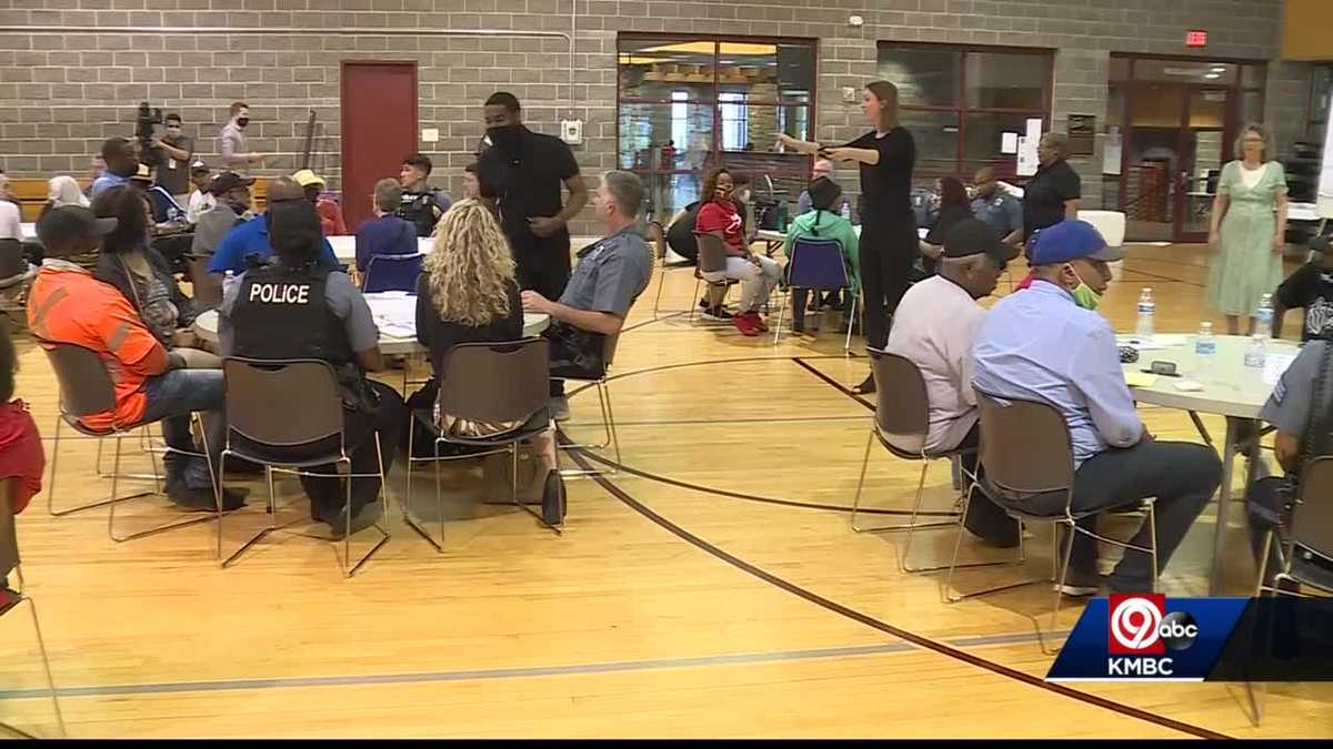 Kansas City police host listening session for residents, businesses in 18th & Vine District