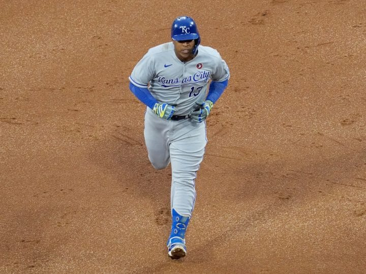 Salvador Perez homers again, leading Royals to 5-1 over White Sox