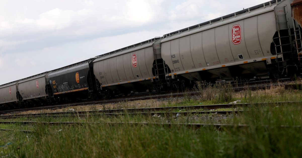 Canadian National to divest Kansas City Southern's 70-mile rail overlap
