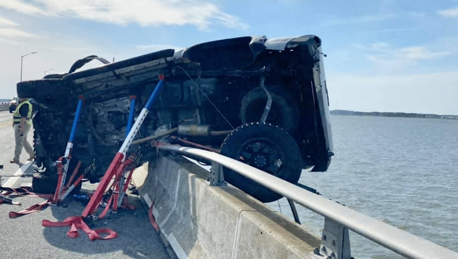 Good Samaritan saves baby in bay after Ocean City crash