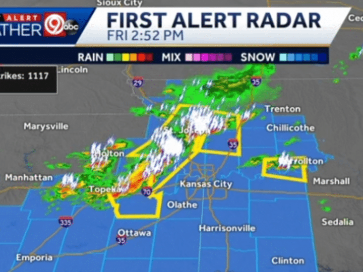 Thunderstorms with damaging wind, hail arriving in metro area