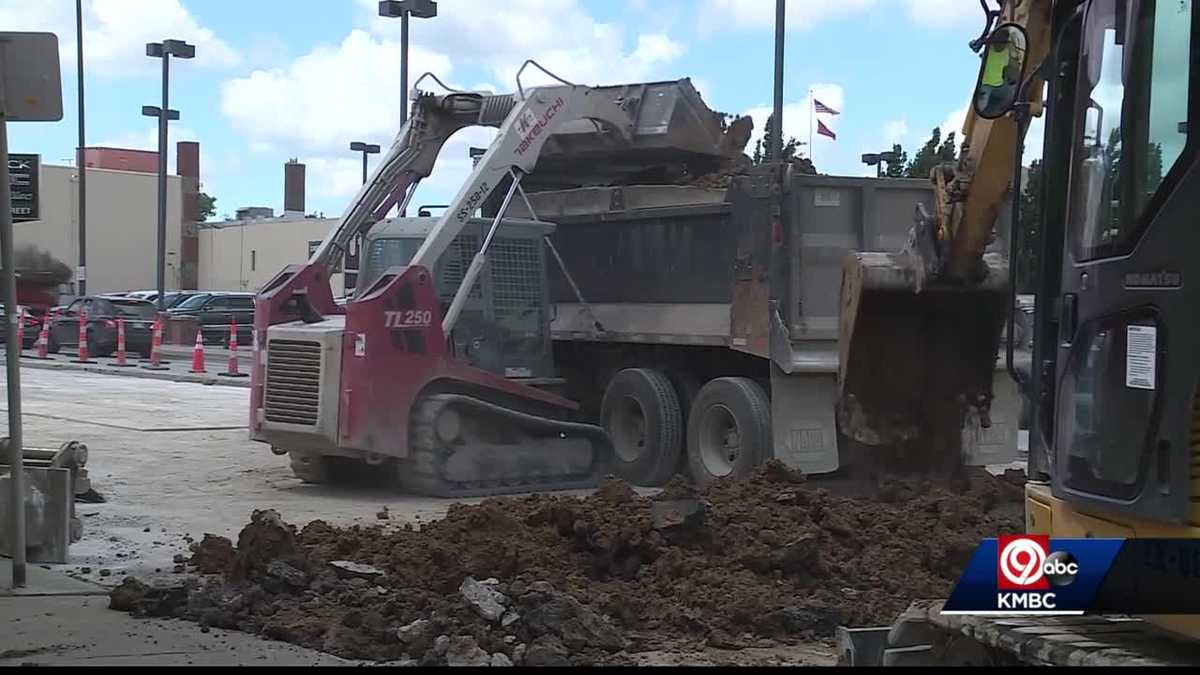 Kansas City road crews want drivers to pay attention in work zones