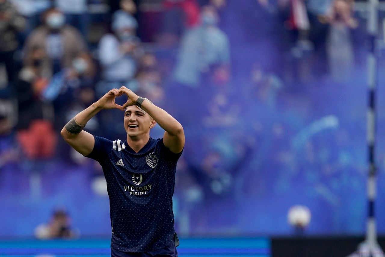 Pulido available, Kinda questionable for Sporting KC after return from international duty