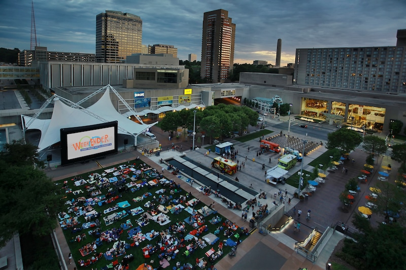 WeekEnder Movie and Concert Series Begins Friday at Crown Center – CitySceneKC
