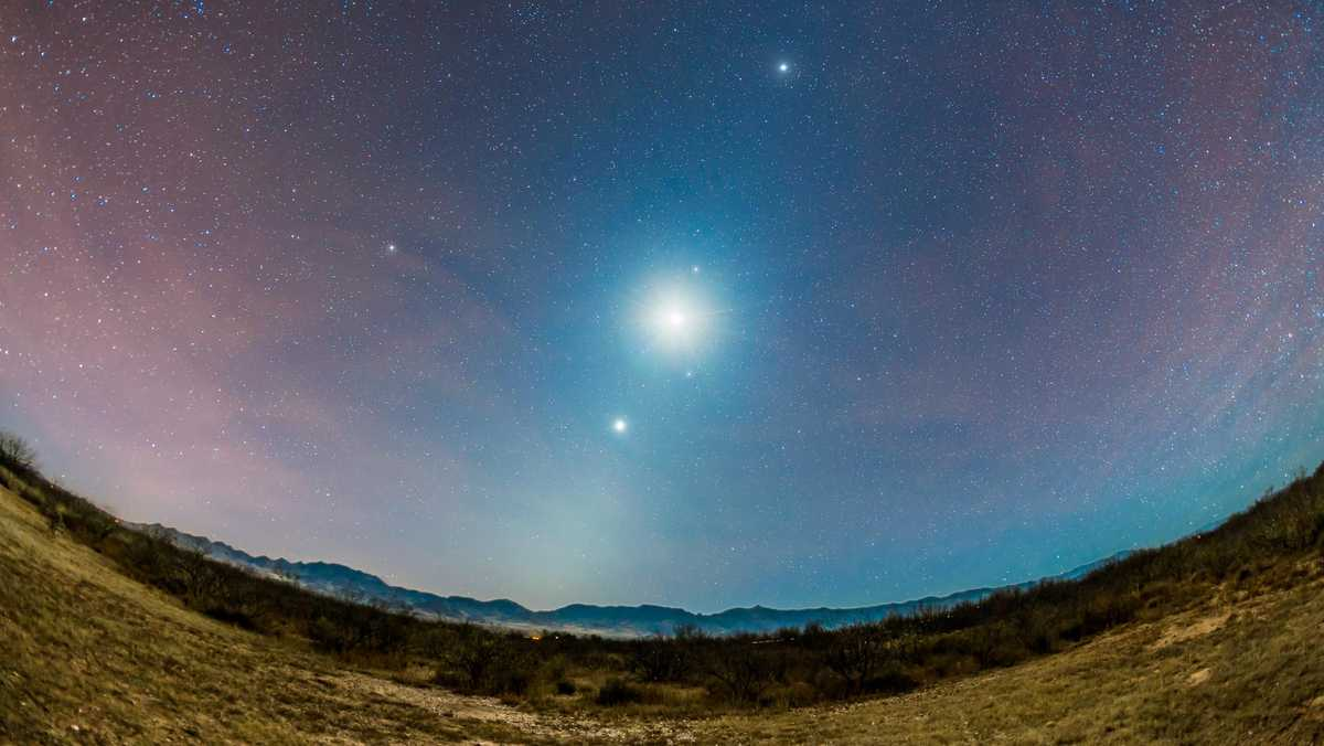 Check out Venus, Mars and the moon close together in the night sky